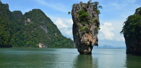 Гольф-карантин и прививочный пакет: как Таиланд заманивает туристов