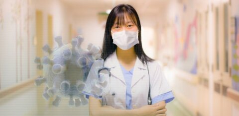 Коронавирус: как заражаются медики и почему они болеют в особо тяжелой форме