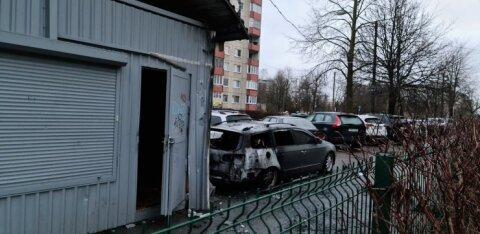 ВИДЕО | На Кярбери ночью сгорел автомобиль. Хозяин считает, что это поджог и просит откликнуться свидетелей