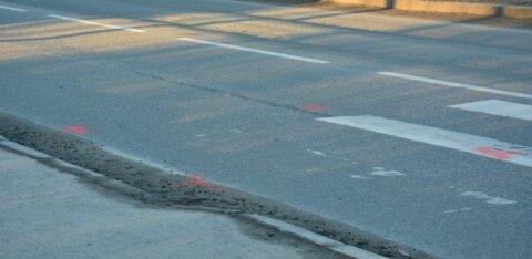 Полиция просит помощи свидетелей: женщина на красной машине сбила на переходе ребенка