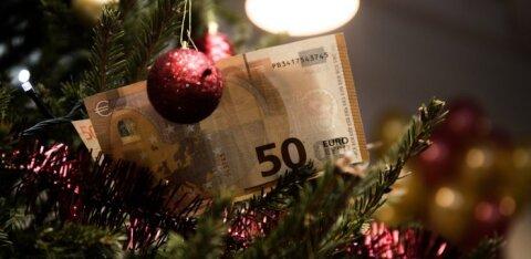 Работники ожидают от работодателей к Рождеству повышения зарплаты, денежной премии или отпуска