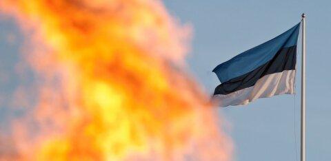 TÄNA DELFI TV-s | Vaata, kuidas jüriöö märgutuli suurte pidustuste saatel Eesti eri paikadesse jõuab