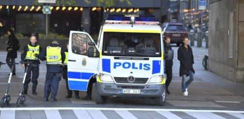 При нападении мужчины с ножом в Швеции пострадали восемь человек. Подозревают теракт
