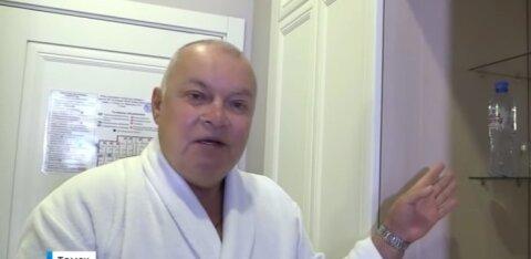Подвиг героя: Дмитрий Киселев рискнул переночевать в номере гостиницы, где был отравлен Навальный