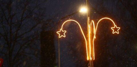 PILTUUDIS | Jõgeva jõulukaunistused pakuvad kohalikele nalja