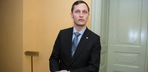 Riigikogu liige Dmitri Dmitrijev Tapa soojatülist: tundub, et torkisin herilasepesa