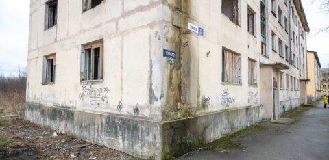 Кохтла-Ярве: заброшенный дом на улице Вахтра будет снесен, часть расходов ляжет на собственников квартир