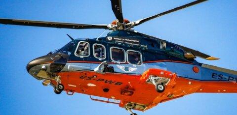 На острове Рухну женщина попала под машину. Пострадавшую на вертолете доставили в Таллинн