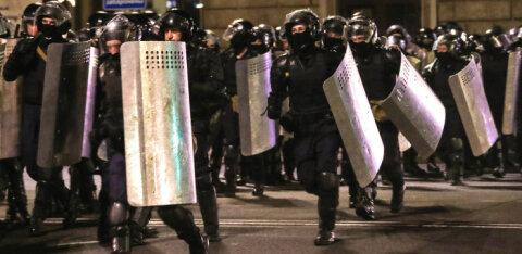 ВИДЕО И ФОТО | В Минске вновь начались задержания. Милиция применила светошумовые гранаты