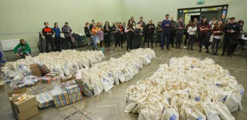 В Пыхья-Таллинне добровольцы доставили пенсионерам пакеты помощи