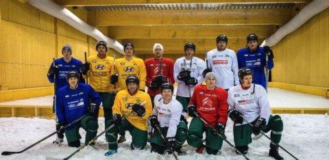 FOTOD   Tänak ja teised ralliässad võtsid Rootsi etapi eel mõõtu jäähokis