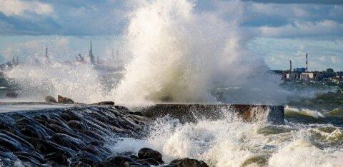 На Эстонию надвигается сильный шторм. Состоятся ли футбольные матчи?