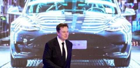 Musk lubas odavat autot – Tesla väärtus kukkus kolinal