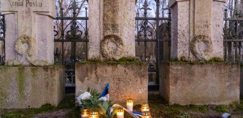 100 лет со дня начала мирных переговоров в Тарту отметили зажжением свечей