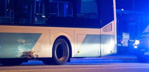 ФОТО | В Пыхья-Таллинне пьяный водитель без прав врезался в автобус