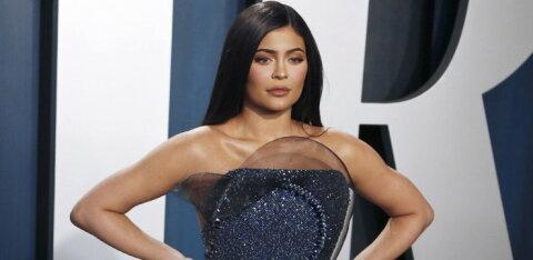 KUUM KLÕPS   Fantaasiale ruumi ei jäta! Kylie Jenner tähistas sünnipäeva alasti pildiga