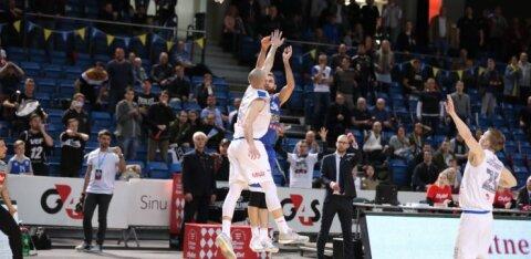 FOTOD JA TIPPHETKED | Kalev/Cramo kaotas kolmandal veerandajal peatreeneri, kuid võitis Kitsingu kolmesest Eesti-Läti liigas pronksmedali