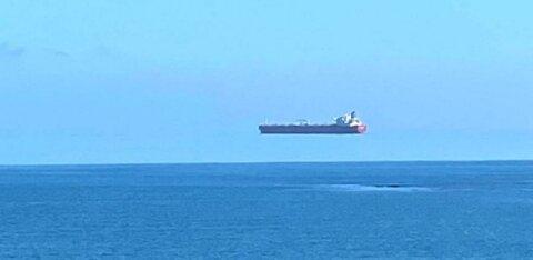 """""""Летучий голландец"""": в Корнуолле замечен парящий в небе корабль"""