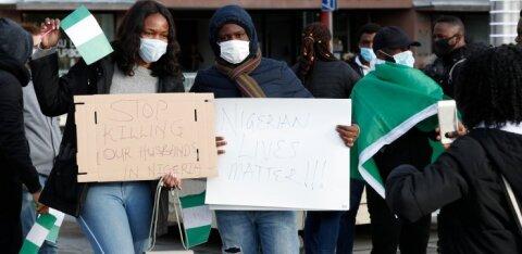 ФОТО и ВИДЕО | На площади Вабадузе нигерийцы провели акцию протеста