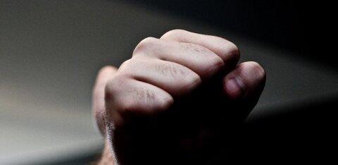 В Ласнамяэ повздорили два водителя: мужчина ударил женщину кулаком в лицо