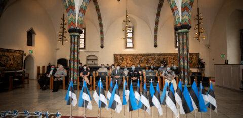 В таллиннской Ратуше вручили свидетельства о гражданстве