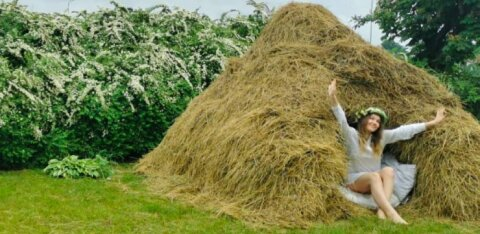 ФОТО | Ночь в стоге сена — необычная гостиница под Ригой
