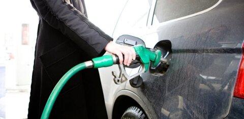 Kütusemüüjad nendivad: langev nafta hind Eesti tanklatesse kohe ei jõua