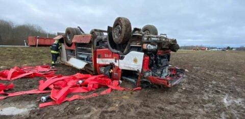 Пострадавших в тяжелой аварии близ Раквере спасателей выписали из больницы