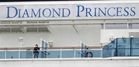 Два пассажира Diamond Princess умерли от коронавируса. На борту заболели еще двое россиян