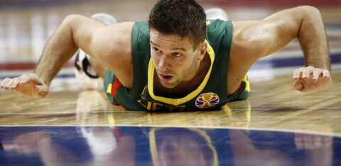 Dramaatilise kaotuse saanud Leedu kukkus korvpalli MM-il kõrgest mängust välja, USA pääses veerandfinaali