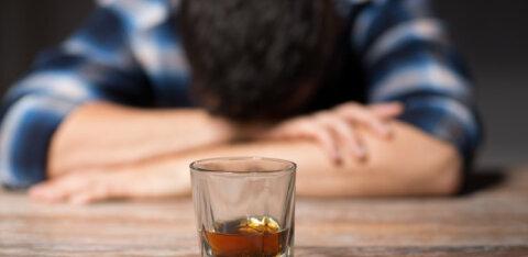 """""""Mul on peale tööpäeva väga raske mitte õllepurki avada."""" Nõustaja sõnul julgetakse alkoholisõltuvuse vastu abi otsida alles siis, kui ollakse kaotamas kedagi kallist"""