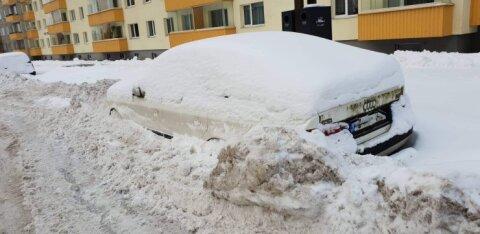 На внешнем кругу Ыйсмяэ введут ограничения на парковку из-за водителей, надолго бросающих там свои авто