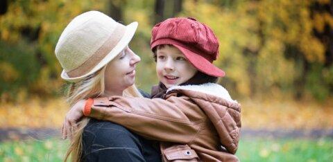 Kolme lapse ema soovitab: kuidas astuda vastu emale, kes minu lapsekasvatuspõhimõtteid ei austa ja minust üle sõidab
