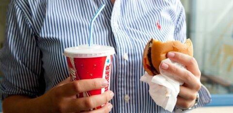 GRAAFIK | Kuidas endale kiirtoiduga mitte liiga teha ja valida tervislikumad alternatiivid? Kui ohtlik on toidus sisalduv sool?