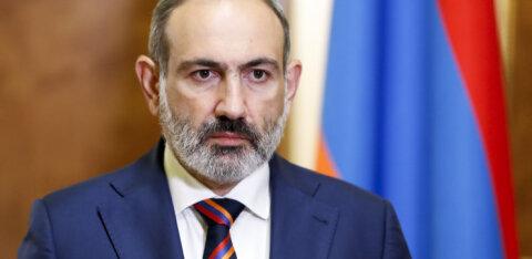 Премьер Армении исключил мирное решение конфликта вокруг Карабаха и призвал народ к оружию