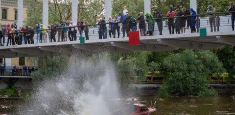 FOTOD | Vikerkaar, naer ja vesi: Tartus peeti maha üks korralik jõepidu