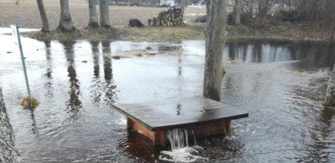 ФОТО: Весна пришла! В Тухала закипел ведьмин колодец