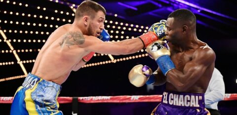 Украинец Ломаченко сенсационно проиграл молодому боксеру из США