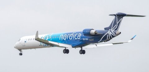 Рейс из Таллинна в Стокгольм задержали из-за неисправностей, людей попросили покинуть самолет