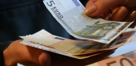 KADUVAD VIIEEUROSED | Tarbijakaitse ja Eesti Pank laiutavad käsi, aga häirituile appi ei tõtta