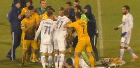VIDEO | Venemaa jalgpallurid läksid pärast lõpuvilet kaklema