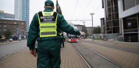 В столичном трамвае подрались две женщины. Сотрудникам МуПо пришлось их разнимать