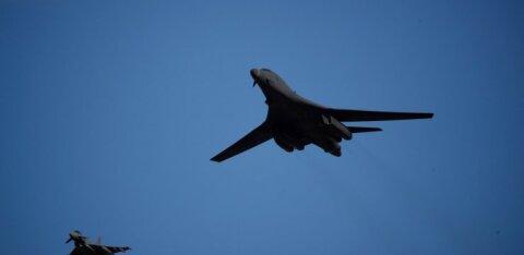 ФОТО | Над Эстонией пролетели бомбардировщики США. Их сопроводил российский истребитель