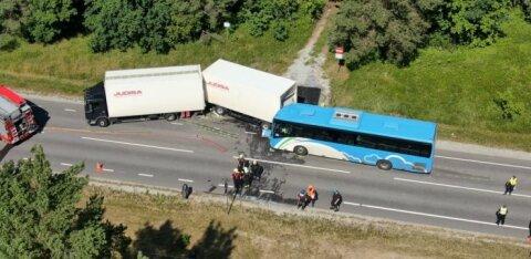 Авария с 26 пострадавшими: не все пассажиры автобуса были пристегнуты ремнями безопасности