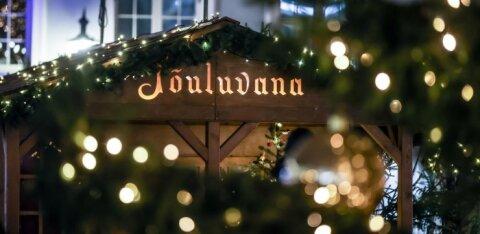 Старый город продолжает превращаться в рождественскую сказку