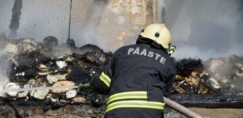ФОТО | Пьяный мужчина вернулся из магазина и обнаружил, что его дом горит