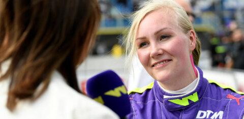 Soome naisvormelisõitja lõpetas neljaks aastaks võistlemise, sest lepingus nõuti temalt alasti poseerimist
