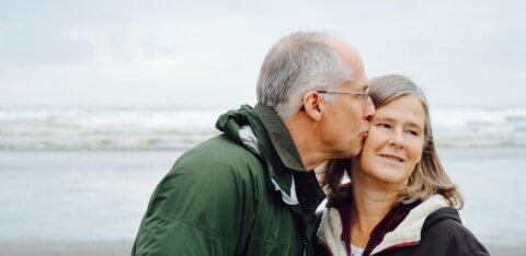 Paarisuhtes olevatel inimestel on pikem eluiga kui üksikutel
