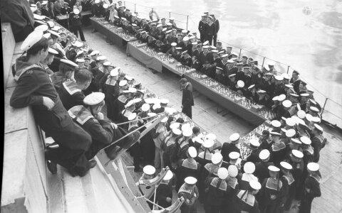VANAD FOTOD: Malelegend Keres mängimas 40 meremehe vastu!