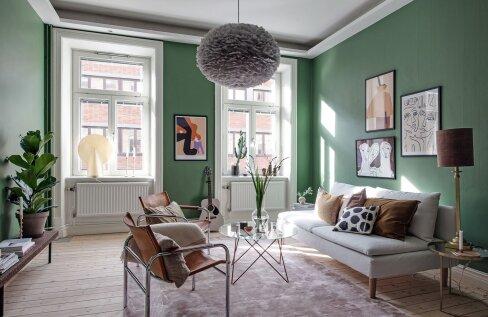 FOTOD │ Halli ja rohelisega kujundatud julge joonega kodu